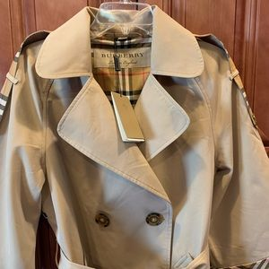 Authentic Burberry Horseferry Fall Trench Coat
